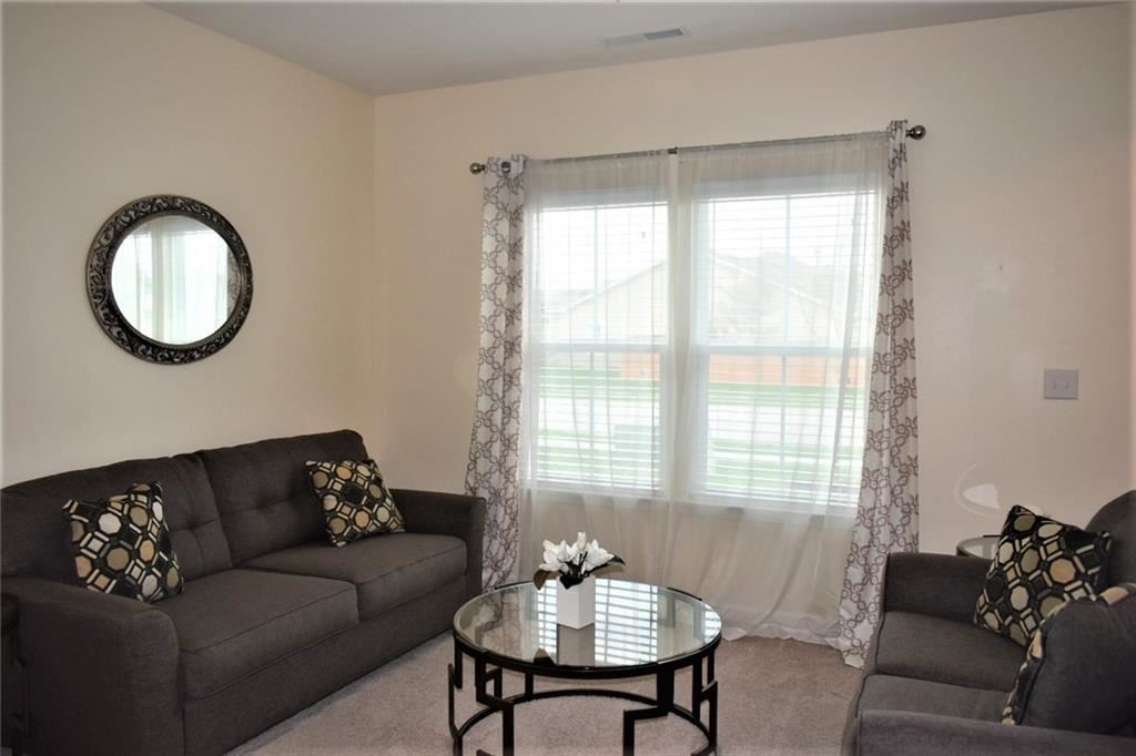 Photo of 6845 Ennis Drive, Brownsburg, IN 46112 (MLS # 21777343)