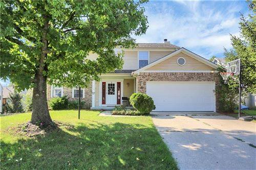 Photo of 2820 Mission Hills Lane, Indianapolis, IN 46234 (MLS # 21814344)