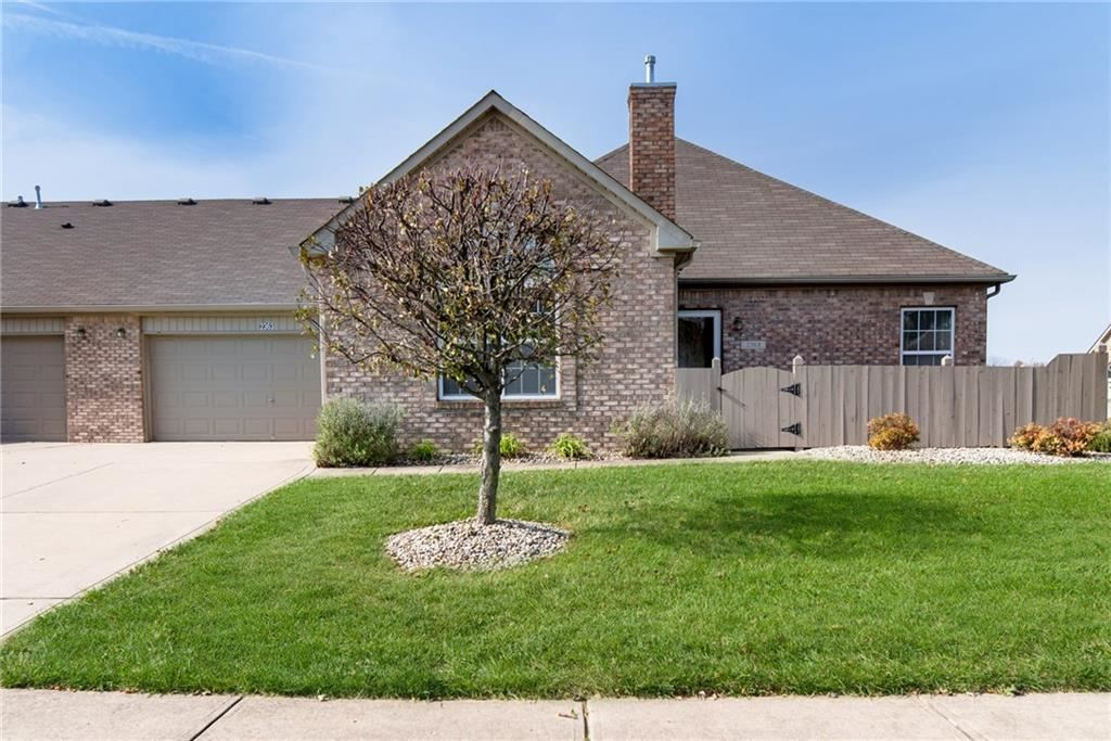 2363 Steeple Chase, Shelbyville, IN 46176 - #: 21679346