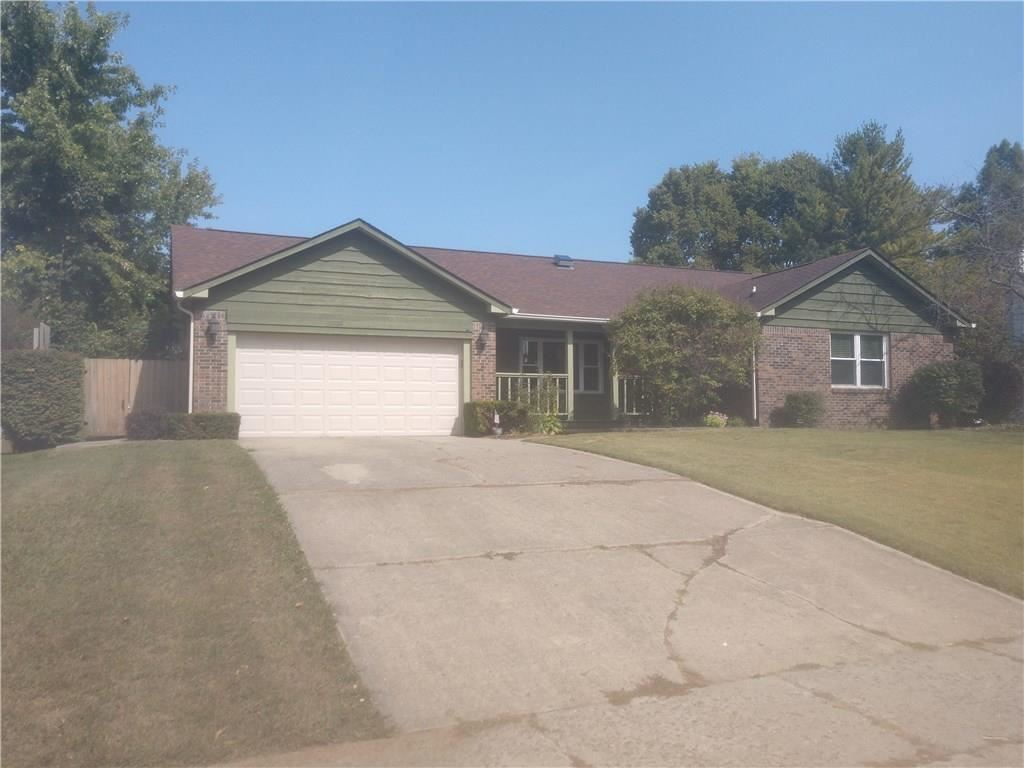 Photo of 26 Foxwood Drive, Brownsburg, IN 46112 (MLS # 21740349)
