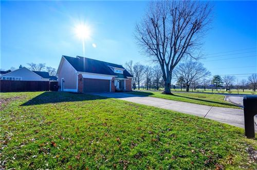 Photo of 11813 Golf Course Drive, Indianapolis, IN 46236 (MLS # 21690359)
