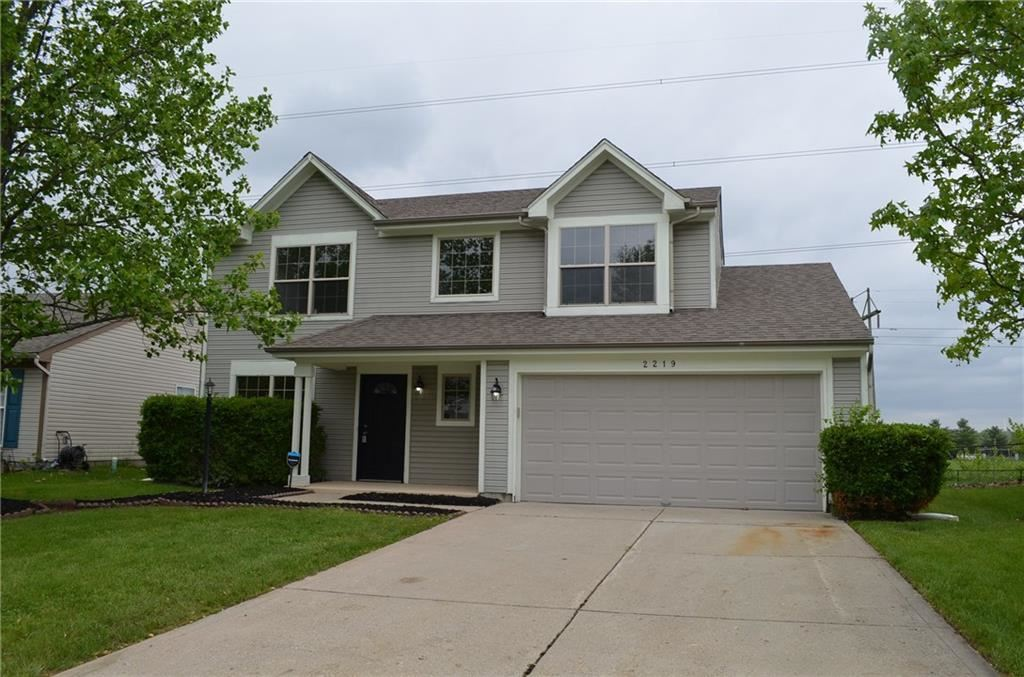 Photo for 2219 Rolling Oak, Indianapolis, IN 46214 (MLS # 21638359)