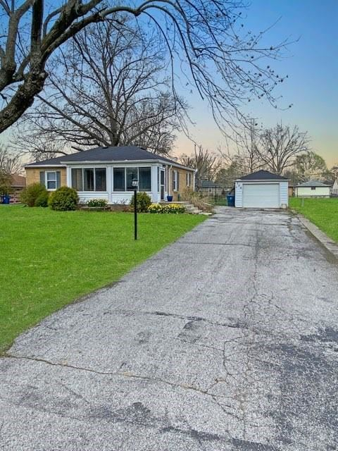Photo of 306 Hoss Road, Indianapolis, IN 46217 (MLS # 21776361)