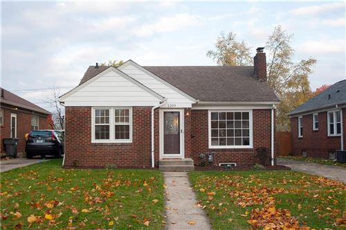 Photo of 1209 N DOWNEY Avenue, Indianapolis, IN 46219 (MLS # 21819362)