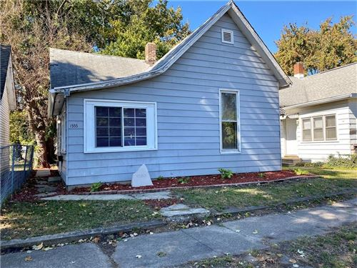 Photo of 1555 South 18th Street, Terre Haute, IN 47803 (MLS # 21749363)