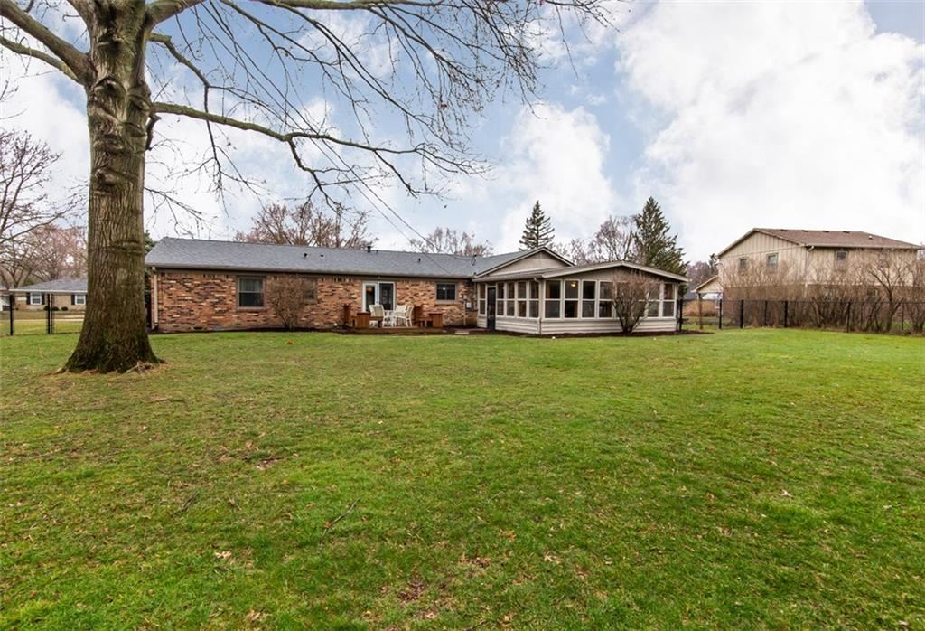 Photo of 13204 Nottingham Road, Fishers, IN 46038 (MLS # 21698364)