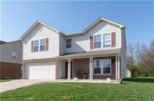Photo of 4528 Valley Trace Drive, Indianapolis, IN 46237 (MLS # 21704366)