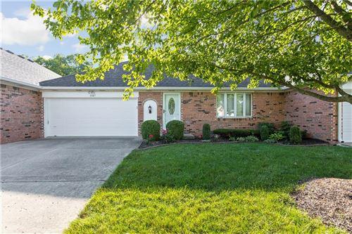 Photo of 1347 East Holiday Lane East #19/32, Brownsburg, IN 46112 (MLS # 21722366)
