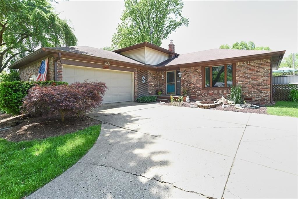 530 Shady Lane, Greenwood, IN 46142 - #: 21712366
