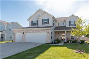 Photo of 674 Geronimo, Greenfield, IN 46140 (MLS # 21639371)