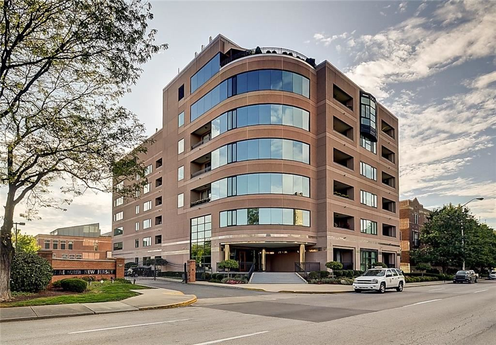 Photo of 225 North New Jersey Street #34, Indianapolis, IN 46204 (MLS # 21777374)
