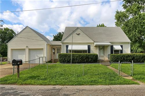 Photo of 1328 Lawrence Avenue, Indianapolis, IN 46227 (MLS # 21731378)