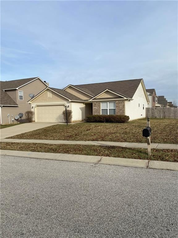 5439 BOMBAY Drive, Indianapolis, IN 46239 - #: 21685381