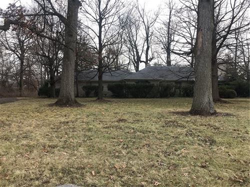Photo of 7915 East 21st Street, Indianapolis, IN 46219 (MLS # 21685387)