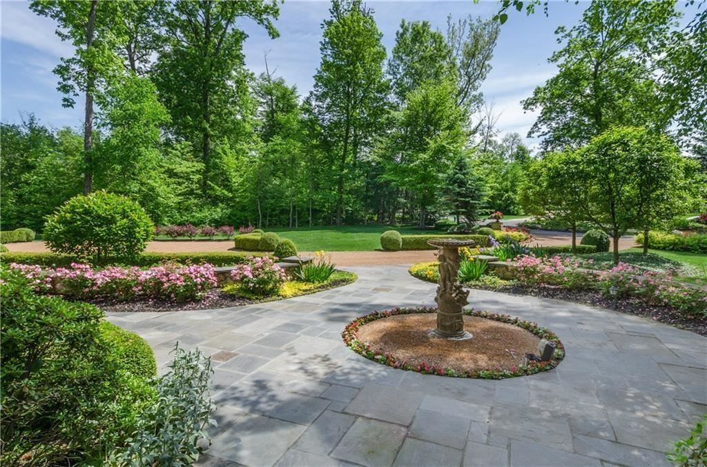 Photo of 10810 Club Point Drive, Fishers, IN 46037 (MLS # 21686389)
