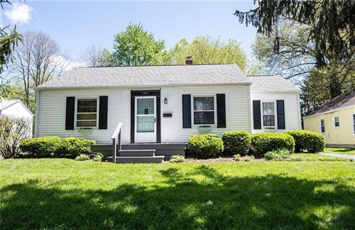 Photo of 5315 Rosslyn Avenue, Indianapolis, IN 46220 (MLS # 21782390)