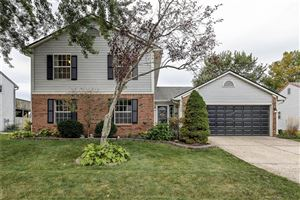 Photo of 7460 Southern Lakes, Indianapolis, IN 46237 (MLS # 21675402)