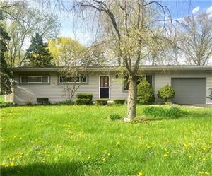 Photo of 120 Winona, Carmel, IN 46032 (MLS # 21636404)