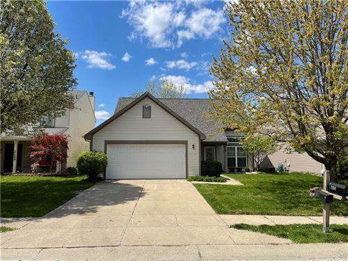Photo of 2184 Longleaf Drive, Greenwood, IN 46143 (MLS # 21779405)