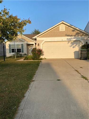 Photo of 1415 Round Lake Road, Greenwood, IN 46143 (MLS # 21740413)