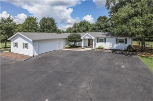 Photo of 4140 West Smith Valley, Greenwood, IN 46142 (MLS # 21661423)
