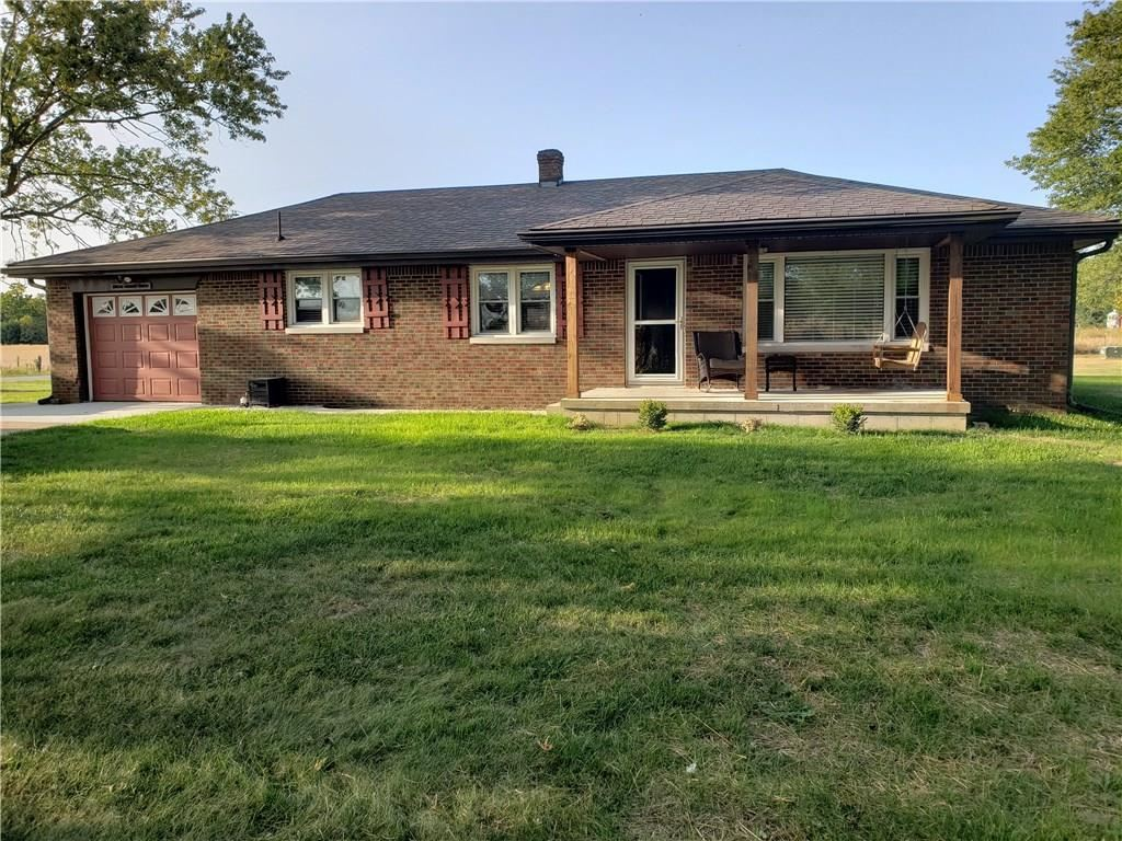 Photo of 2490 West County Road 400 S, Clayton, IN 46118 (MLS # 21740428)