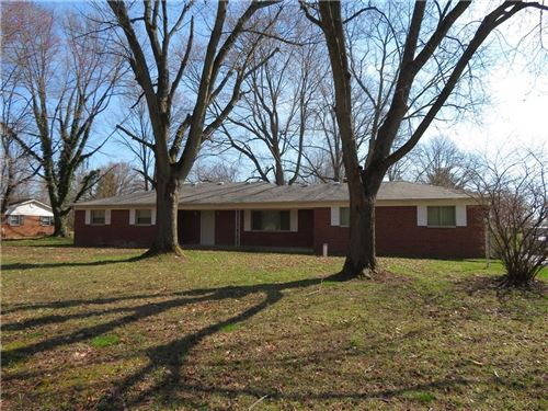 Photo of 2133 South County Road 300 E, Danville, IN 46122 (MLS # 21703430)