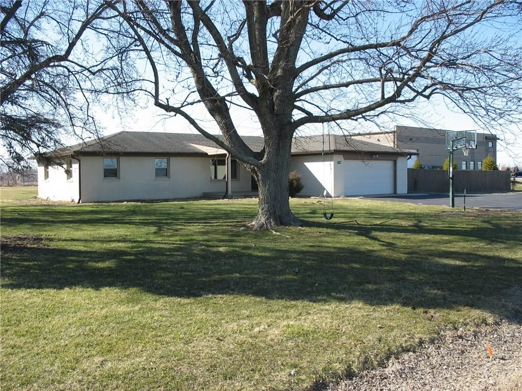 Photo of 4730 N. Co. Rd. 900 E., Brownsburg, IN 46112 (MLS # 21709441)