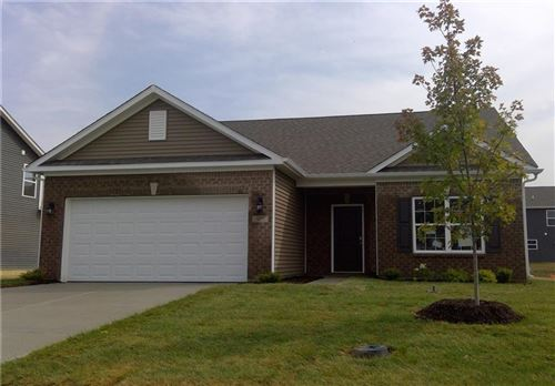 Photo of 327 Thistlewood Drive, Greenfield, IN 46140 (MLS # 21721443)
