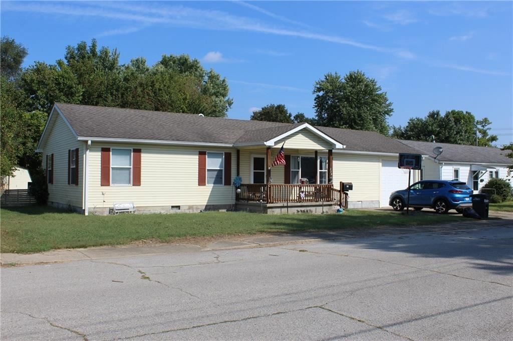 370 East Ambrose Street, Martinsville, IN 46151 - #: 21673449