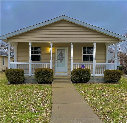 Photo of 1616 Edgecombe Avenue, Indianapolis, IN 46227 (MLS # 21689450)