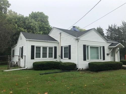 Photo of 350 McLaughlin Avenue, Indianapolis, IN 46227 (MLS # 21817451)