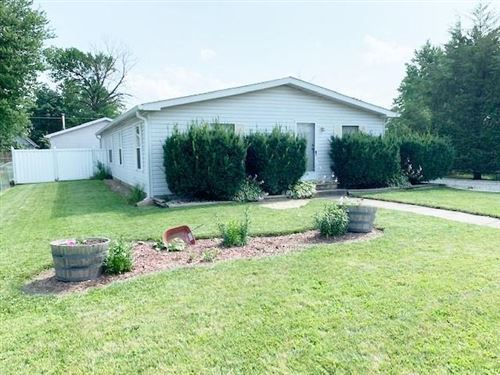 Photo of 1015 E Third Street, Greenfield, IN 46140 (MLS # 21800457)