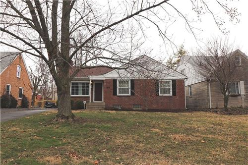 Photo of 930 Ellenberger West Drive, Indianapolis, IN 46219 (MLS # 21699458)