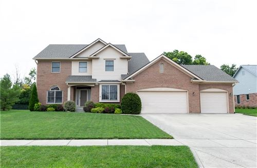 Photo of 2331 WILLOW LAKES East Boulevard, Greenwood, IN 46143 (MLS # 21731463)