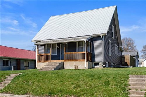 Photo of 307 E Water Street, Hartford City, IN 47348 (MLS # 21775471)