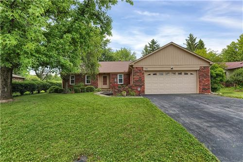 Photo of 300 Lake View Drive, Greenfield, IN 46140 (MLS # 21720474)