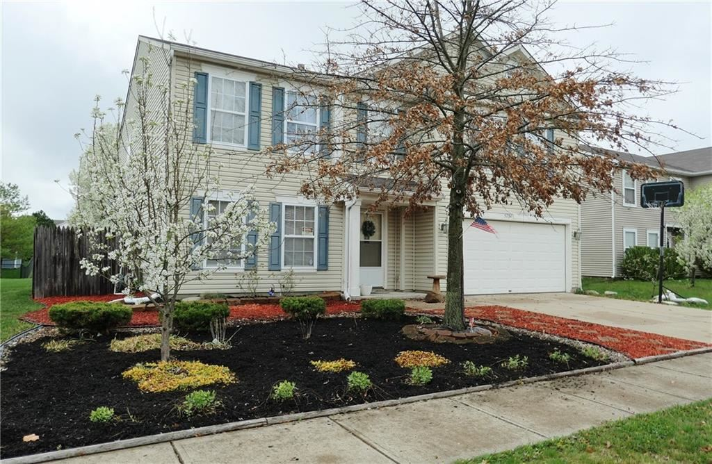 Photo of 5734 SKIPPING STONE Drive, Indianapolis, IN 46237 (MLS # 21777481)