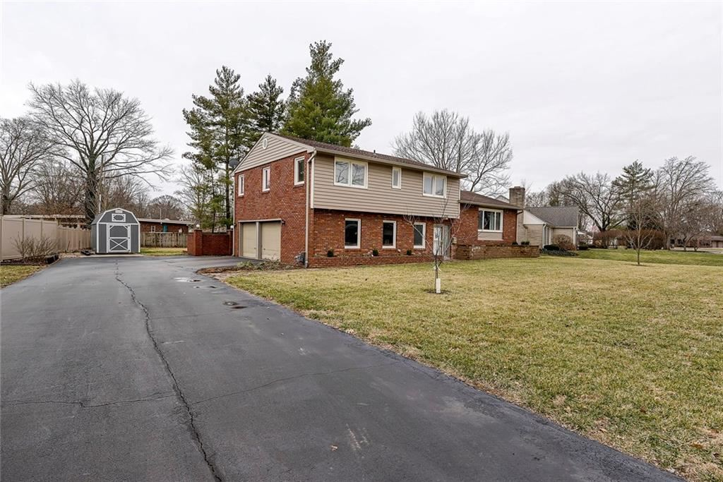 3395 Grove Parkway, Columbus, IN 47203 - #: 21691488