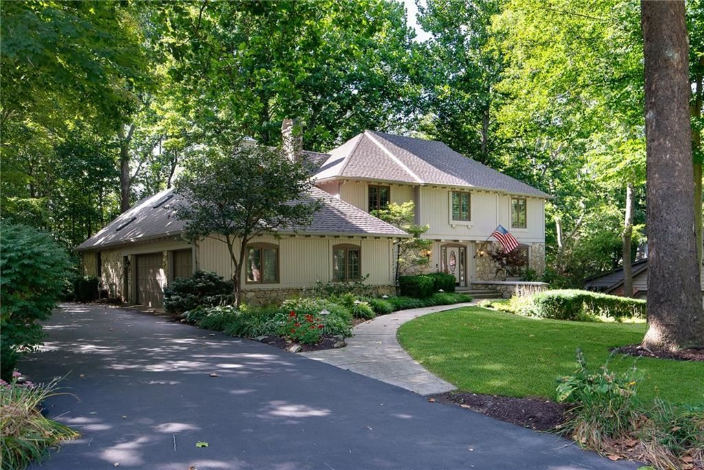 Photo of 755 Wood Court, Zionsville, IN 46077 (MLS # 21740494)