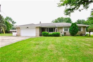 Photo of 21 Roselawn, Brownsburg, IN 46112 (MLS # 21661499)