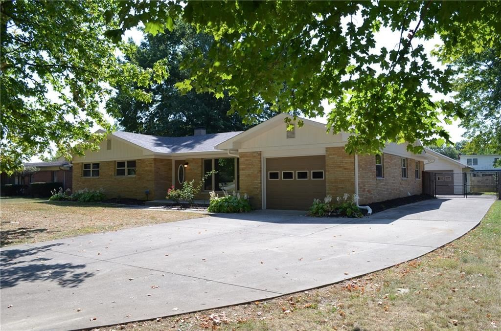 Photo for 8227 East 12th, Indianapolis, IN 46219 (MLS # 21668523)