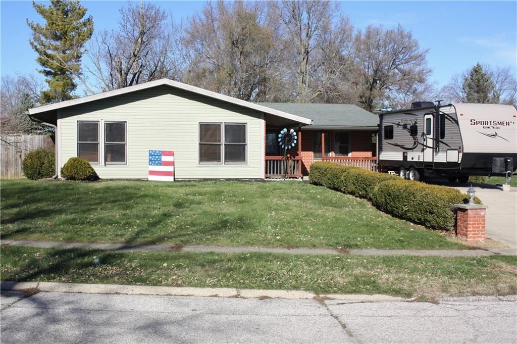 35 HOLIDAY Lane, Mooresville, IN 46158 - #: 21737526