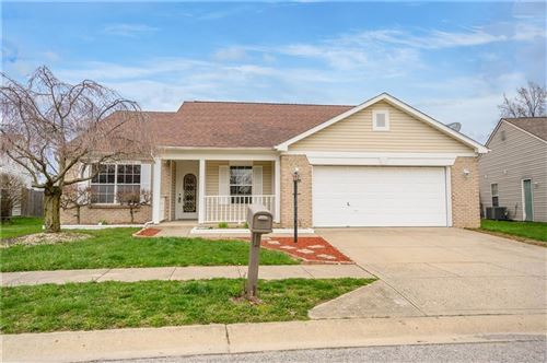 Photo of 6454 Blakeview Drive, Indianapolis, IN 46235 (MLS # 21703529)