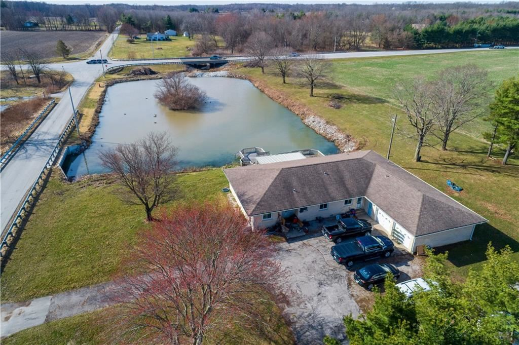 Photo of 84 North County Road 450 W, Danville, IN 46122 (MLS # 21773534)
