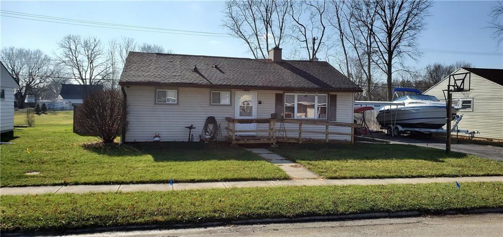 Photo of 15 West William Drive, Brownsburg, IN 46112 (MLS # 21754545)