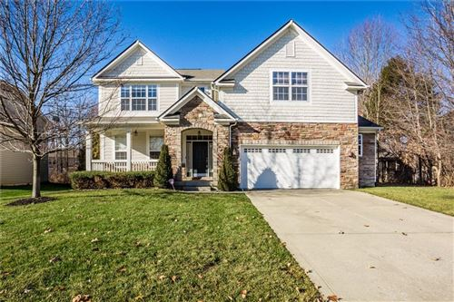 Photo of 840 Chestnut Drive, Avon, IN 46123 (MLS # 21683547)