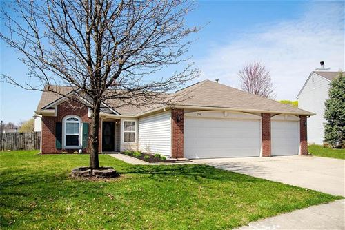 Photo of 294 Lazy Hollow Drive, Brownsburg, IN 46112 (MLS # 21703547)