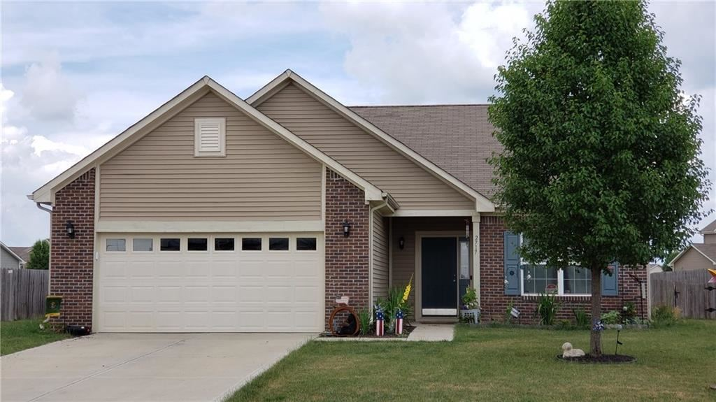 Photo of 2717 Arklow Way, Brownsburg, IN 46112 (MLS # 21722557)