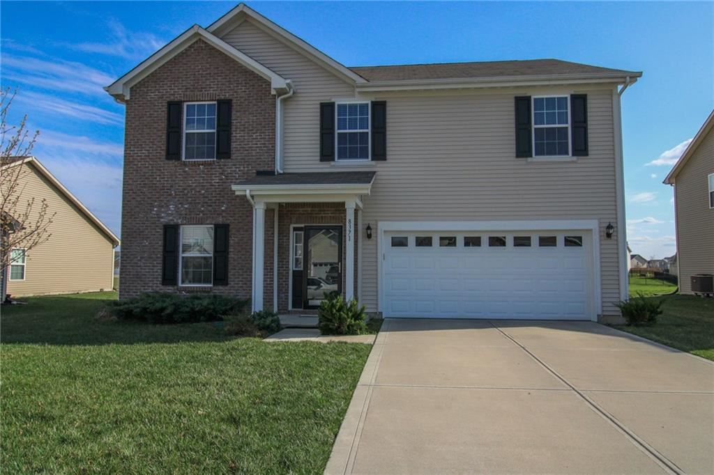Photo of 8371 Templederry Drive, Brownsburg, IN 46112 (MLS # 21773586)
